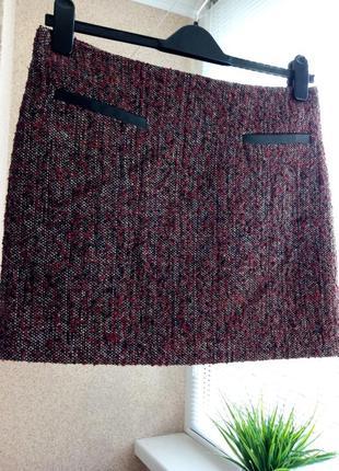 Утепленная юбка мини с содержанием шерсти бордового цвета
