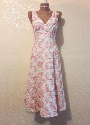 Красивое светлое платье лен с узорами