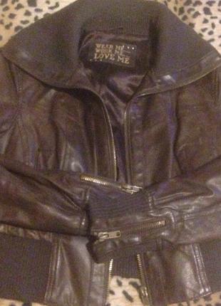 Фирменная кожаная курточка р.l/m,в идеале.