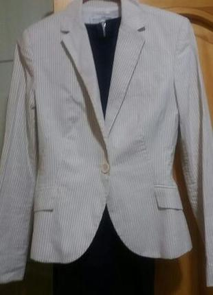 Красивый пиджак !!!распродажа!!!