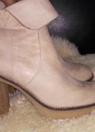 Fred de la bretoniere беж кожа ботинки 38 р по ст 25 см каблук 10 см внутри кожа