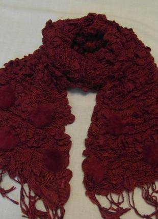 Женский шарф бордового цвета