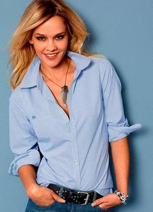 Модная женская классическа голубая рубашка