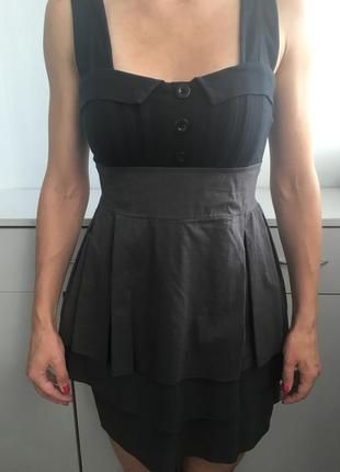 Черное платье на бретелях new look