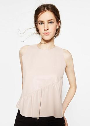 Блуза с воланом zara