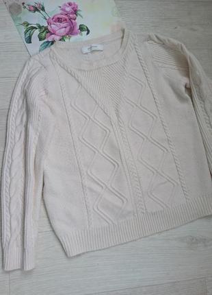 Приятнейший к телу свитер молочного цвета