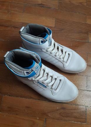 Оригинальные белые деми кроссовки сникерсы очень крутые
