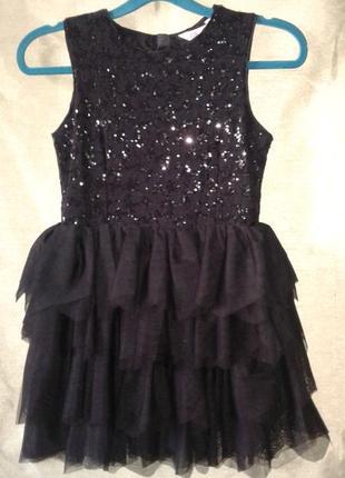 Нарядное платье с пайетками на 10-11 лет