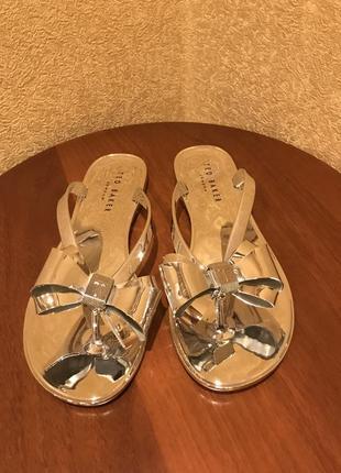 Шлепанцы сланцы сандали