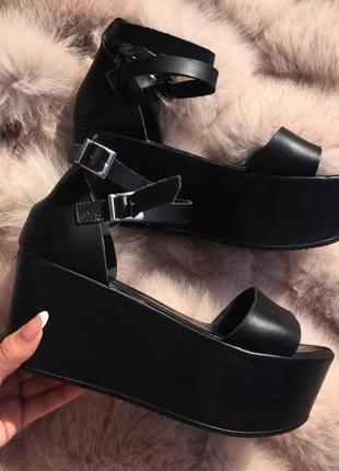Черные кожаные босоножки на платформе topshop 38 р