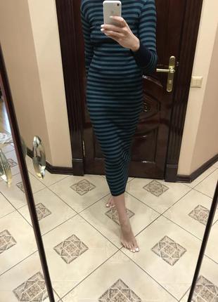 Длинное платье в полоску rinascimento