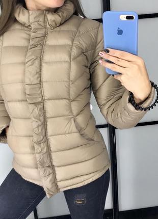 Крутая демисезонная нюдовая бежевая куртка пуховик 100% пух