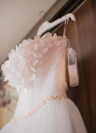 Весільна сукня від оксана муха 5f44a253fbbf5