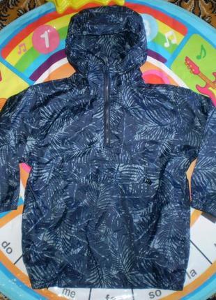 Куртка ветровка дождевик анорак  указано 5-6л,110-116 см ,но реально большемерит