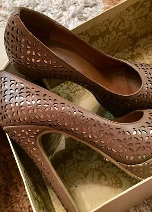 Туфли с открытым носком miraton
