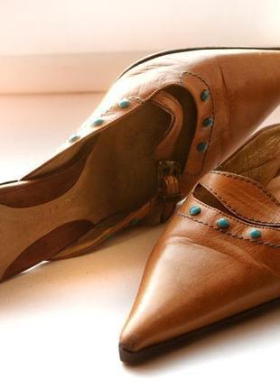 Итальянские кожаные туфли мюли на шпильке с острым носом и с ремешками vero cuoio