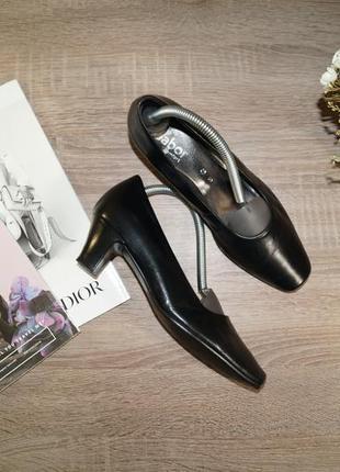 Gabor! кожа! красивые базовые туфли-лодочки на удобном каблучке