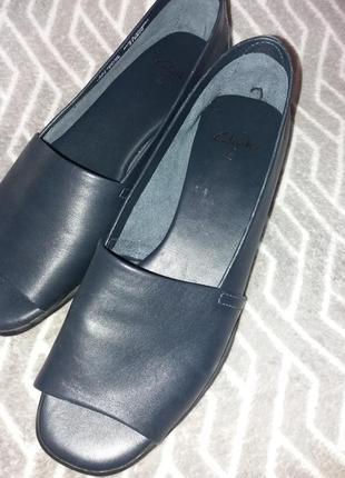 Кожаные балетки туфли с открытым носком