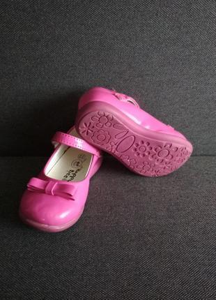 Лаковые туфельки. туфли для девочки