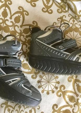 Фитнес кроссовки 40 р