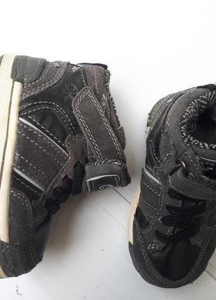 Okidoki  демисезонные ботинки мальчику р.22-13,5см кожа америка новые