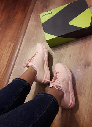 Новые нежные мягкие кроссовки demix