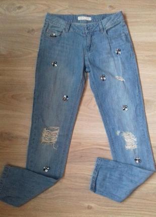 Очень стильные ,дорогущие скини,джинсы с камнями . дезайнерские хит 2018.25-27