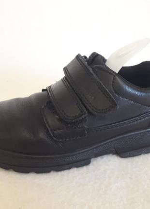 Кожаные спортивные туфли фирмы clarks p. 27  ( 9  g ) стелька 17 см