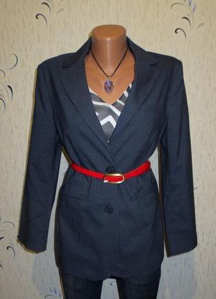 Стильный пиджак идеален для базового гардероба размер: 44-s, m