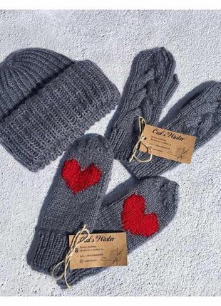Вязанная шапка такори и варежки