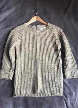 Теплый свитерок модного цвета camel