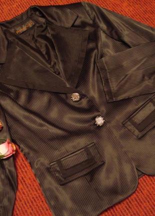 Шикарный фирменный деловой пиджак размер 42