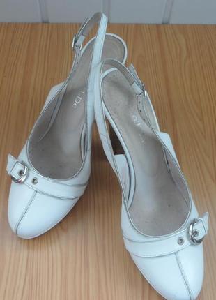 Очень классные туфли с открытой пяткой