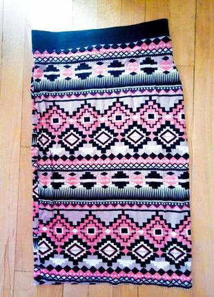 Юбка миди в обтяжку красивый узор на резинке ромюики розовая