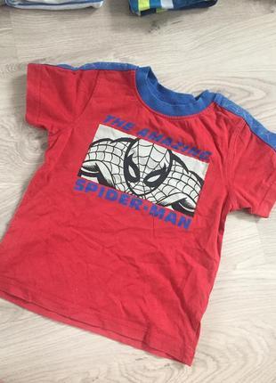 Классная футболка с человеком пауком spider man