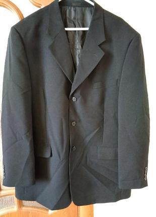 Класичний чоловічий піджак