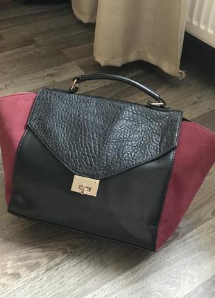 Черная кожаная сумка шопер с замшевыми марсала вставками, короткой ручкой pimkie