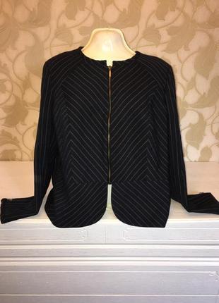 Стильный пиджак в полоску m&c