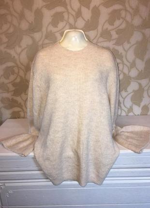 Объемный свитер рукав с рюшей