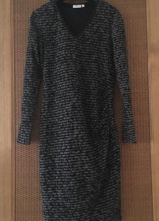 Красиве тепле плаття зборочка збоку fransa
