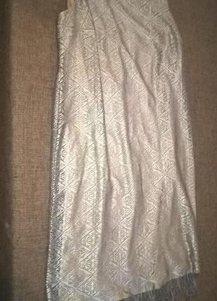 Золотистое двухслойное платье с бахромой