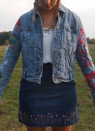 Джинсовая куртка. ручная работа3 фото