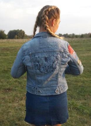 Джинсовая куртка. ручная работа4 фото