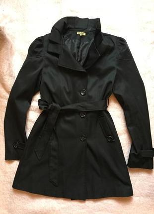 Чёрный тканевой плащ. пальто. осеннее. ветровка