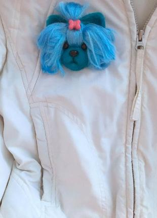 Брошь валяная из овечьей шерсти голубая собачка