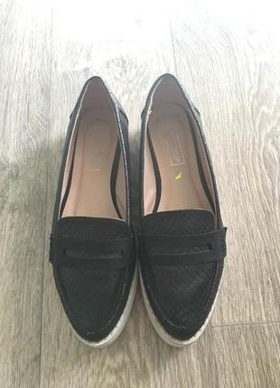 Чёрные туфли на белой платформе topshop