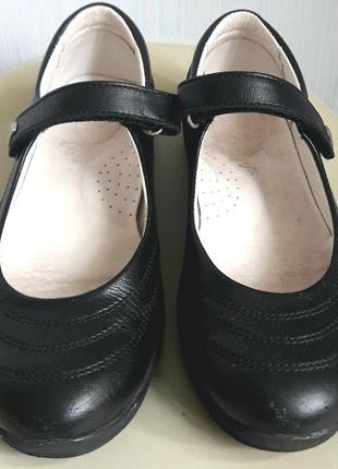 Школьные туфли bartek р 33