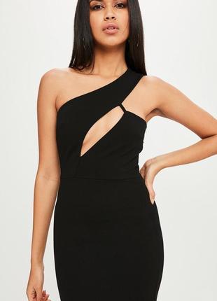 Длинное вечернее платье на одно плечо