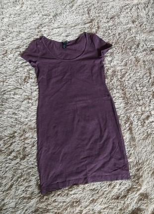 Обтягивающее трикотажное платье бордовое платье