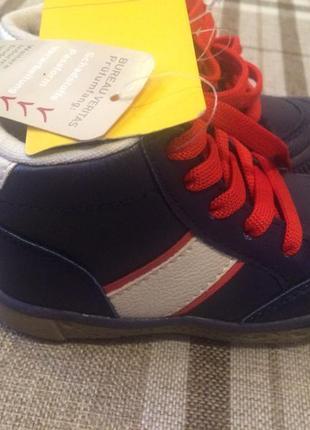 Суперстильные ботиночки кросовки